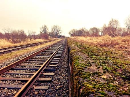 rail-234318_960_720